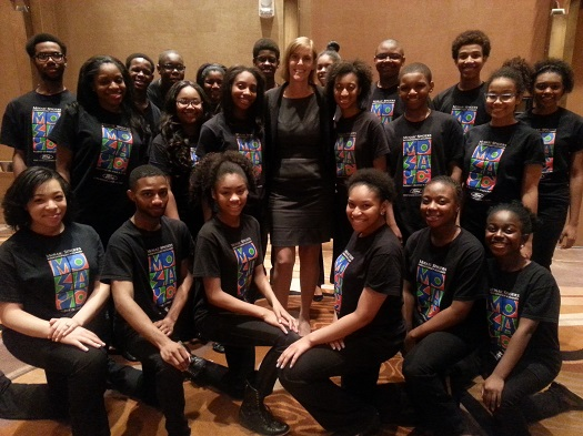 cathie-mahon-federation-ceo-with-detroits-mosaic-singers-after-their-spectacular-performance-at-the-celebrate-detroit-reception